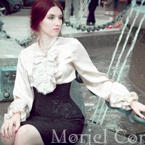 Цельнокроенная юбка на корсете и блузка из шелка