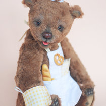 Mr Baker Bear